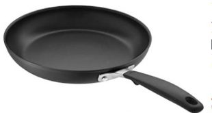 8 non stick frying pan image